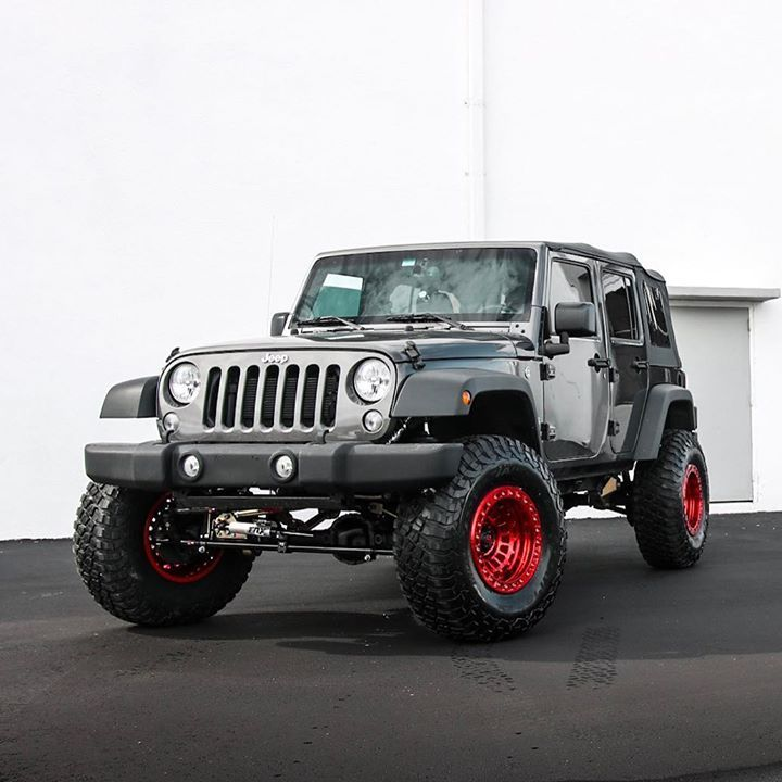 Metal Cloak 4 5 Long Arm Lift Kit With Fox Shocks Sitting On Fuel Zephyr Beadlock Wheels Wrapped In Bf Goodrich Tires Metalclo Cool Jeeps Beadlock Wheels 4x4