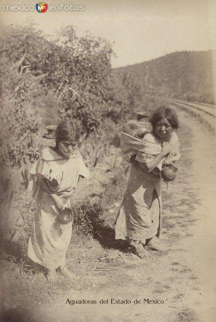 Fotos de Toluca, México, México: Aguadoras Tipicas Mexiquenses Circa 1900