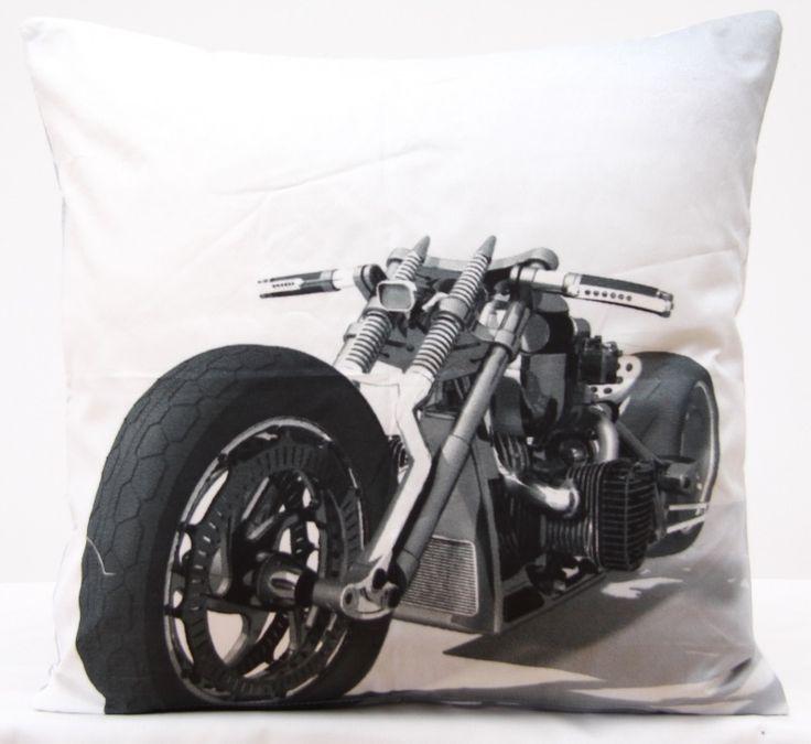 Poszewka na poduszkę w kolorze białym z duzym harleyem