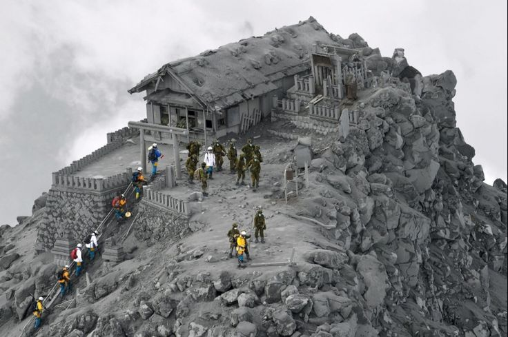 14. Rescue Work on the volcano Ontake. These PIctures Are Not Photoshopped