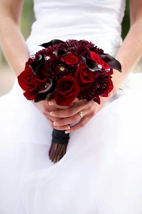 Dark Red And Almost Black Bridal Bouquet Black Bacarra