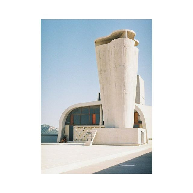 #architecture  La Cité Radieuse built by Le Corbusier in 1952 in Marseille.  #mood #marseille #sunny #summer #weekend #architect #lecorbusier #50s #citeradieuse #building