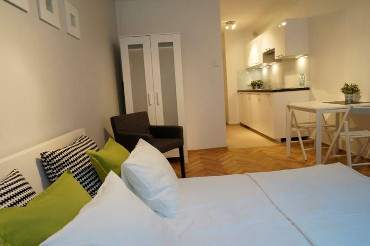 £25 per night Apartment in Warsaw, Poland. Luxurious room studio apartment to rent for short business visits or tourist stays in Warsaw. Walking distance to some tourist place and close to the main train station.