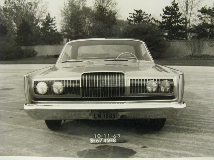 8 X 10 Black And White Glossy Photo Of 1965 Lincoln
