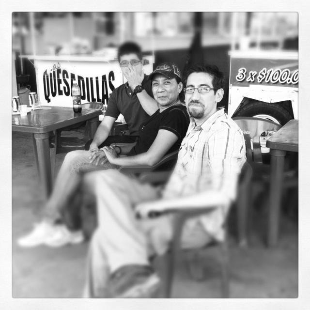 Con los #amigos comiendo #burritos en Ahumada, Chih.