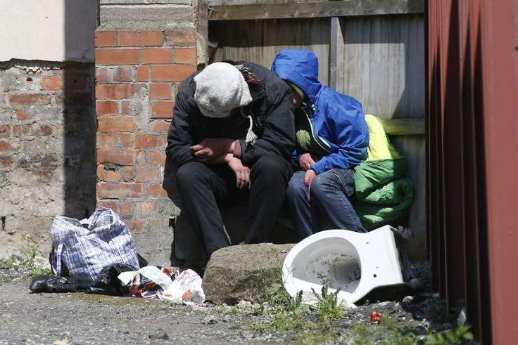 Muslim charity donates 1,000 clothes items to keep Manchester's homeless warm this winter -   A Muslim charity has collected more than 700 coats and 400 other items of winter clothing in a bid to provide warmth for the homeless on the streets...