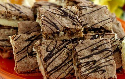 Härligt knapersega kakor med både nötter och havregryn.