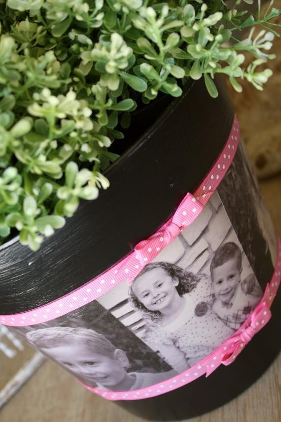 Easy to make and so beautiful - black and white photos on a plain flowerpot will be a winner on Mother's Day