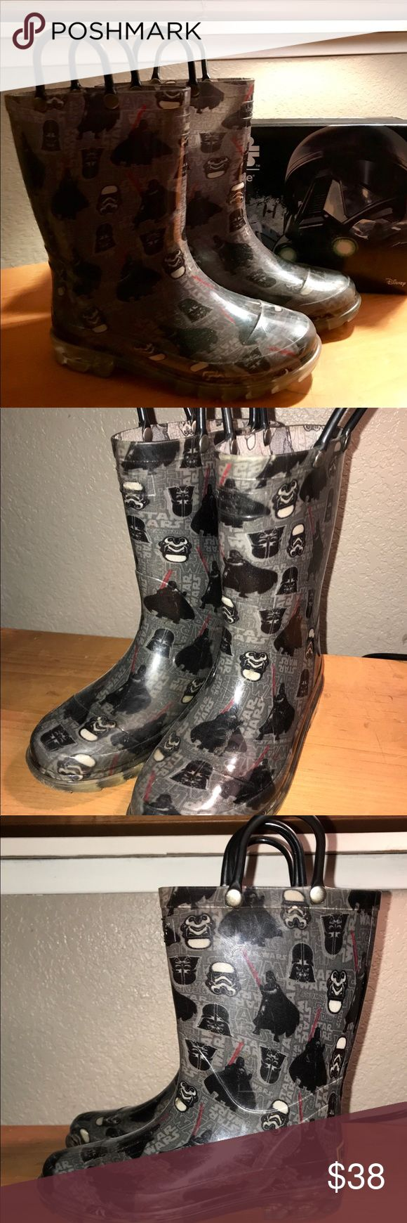 STAR WARS Western Chief boys Rain Boots Size 13 Great condition! Only worn a few times. Lights work on both boots! Your littlest Star Wars fan will adore these boots!!! Springtime is here!!! Western Chief Shoes Rain & Snow Boots