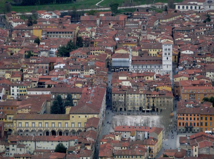 red roofs of Lucca