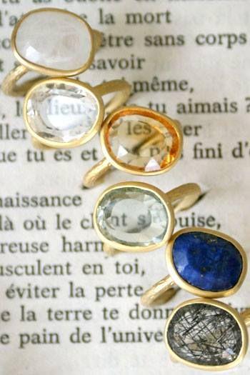 Anillos AURORE... plata bañada en oro de 24k con piedras semipreciosas (cuarzo, lapizlázuli...) en Nonchalante.