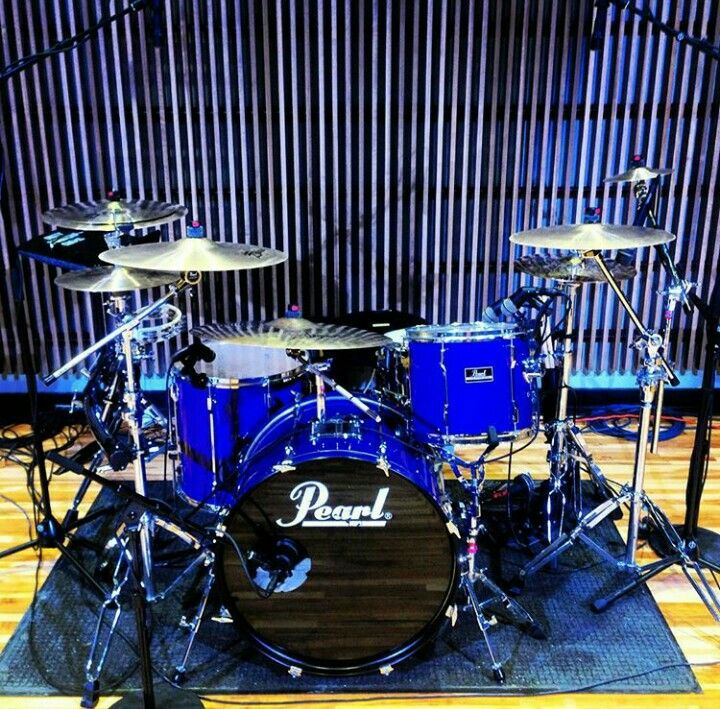 Pearl Drums before put together with the octapad and drumset #1