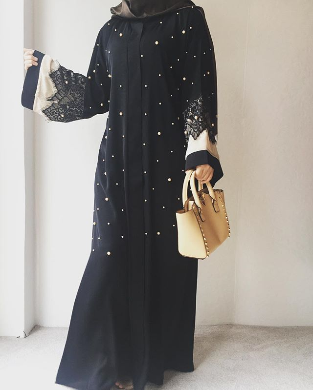 Beautiful ♥️♥️♥️ Black dotted Abaya