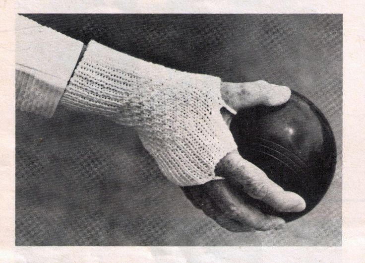 VINTAGE 1970'S  WOMEN'S  BOWLING  BOWLS  MITTENS GLOVES  SPECIAL FINGERLESS  4PLY KNITTING PATTERN