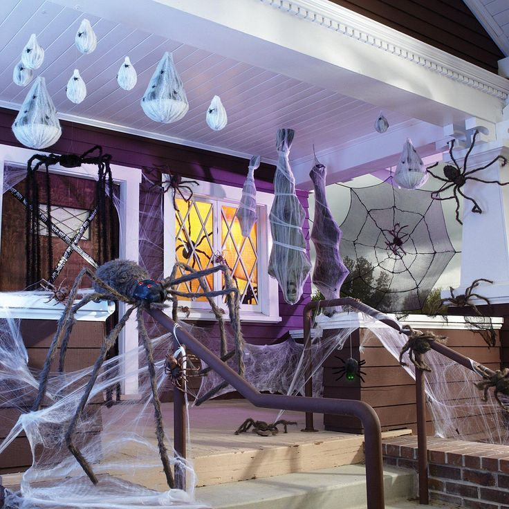 spooky spider porch halloween decorating ideas in - Scary Halloween Party Decorations