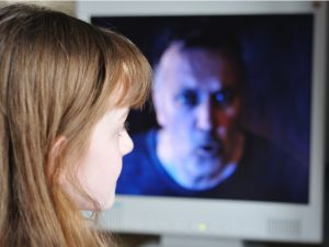 Άρθρο του Δημητρίου Παπαδημητριάδη MD MSc - Ψυχίατρου , Ψυχοθεραπευτή : Οι πολυάριθμες υποθέσεις που παίρνουν δημοσιότητα στην εποχή μας , η συχνότερη δήλωση των περιστατικών σήμερα σε σχέση με το παρελθόν (που αποκρύπτονταν για να μη στιγματίζεται η οικογένεια και το θύμα) αποκαλύπτουν τη μεγάλη αλήθεια http://www.safer-internet.gr/paidofilos-gnostos-agnostos/
