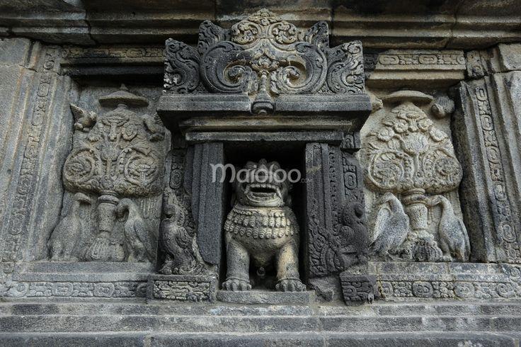 Salah satu arca Candi Prambanan. (Benedictus Oktaviantoro/Maioloo.com)