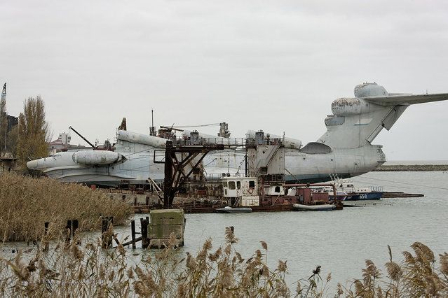 This is the only existing complete Lun. As of early 2012, it sat in Kaspiysk, Russia on the coast of the Caspian Sea. (Igor113)