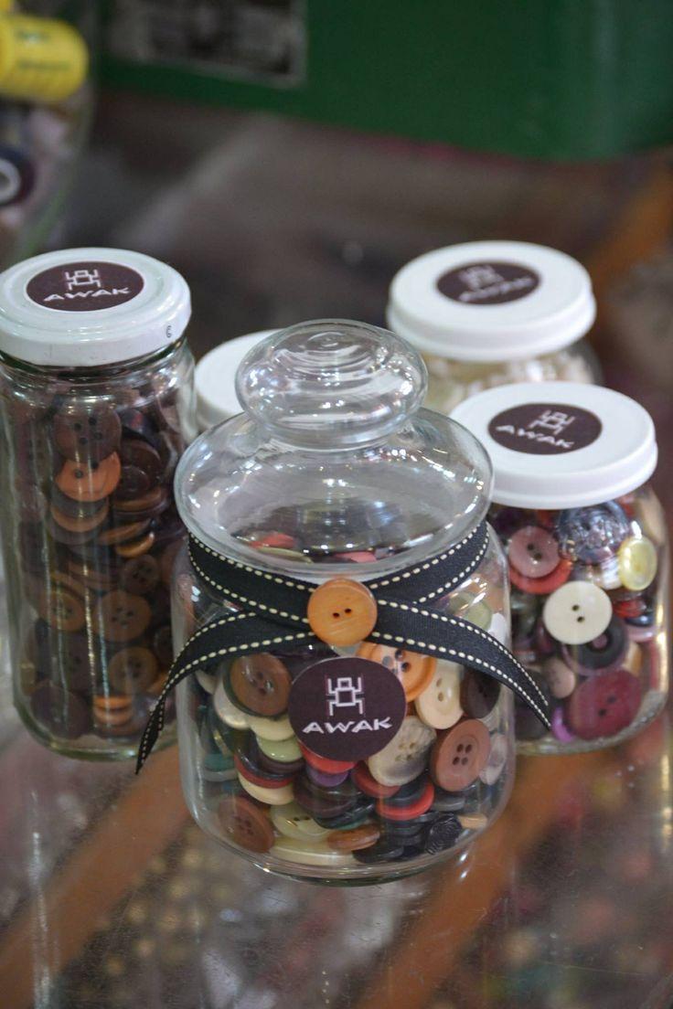 Frasco de botones para artesanías