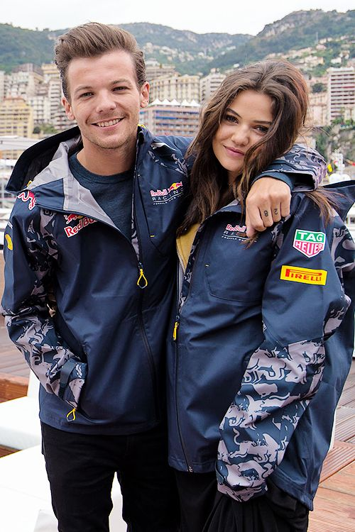 they are so cute... if only i was good at photoshop i could photoshop my face instead of danielles and it could look real