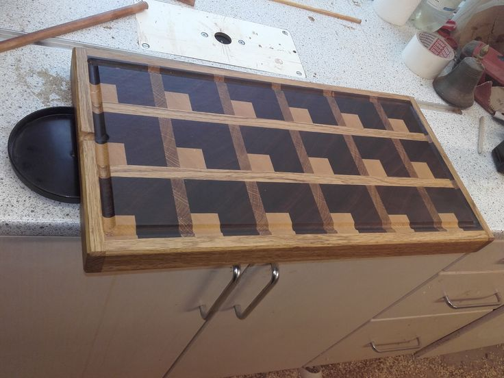 cutting board with liquid collector