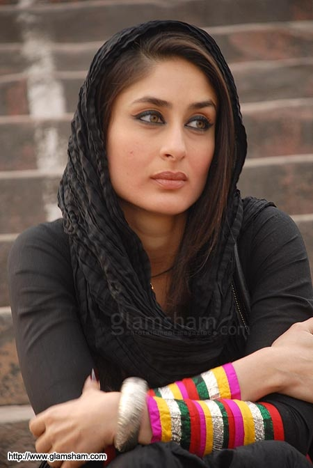 Kareena : I have bags under my eyes. U know y? Becuz I was partying all night long