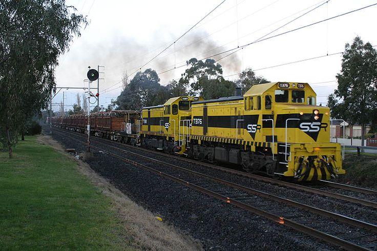 T376-T381 on a sleeper train at Glenroy