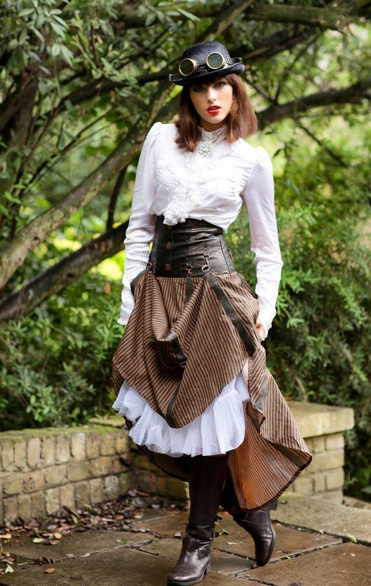 Elegant steampunk costume for ladies to imitate