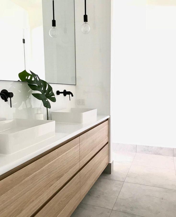 Dies ist also unser Badezimmer und wir wollten anfangs nur ein Waschbecken aber das Einfügen von zwei ist sinnvoll uns wurde dies mehrmals von