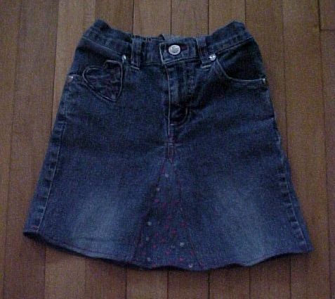 Turn an Old Pair of Jeans into a Skirt: Make Old Jeans into a Skirt - Tips