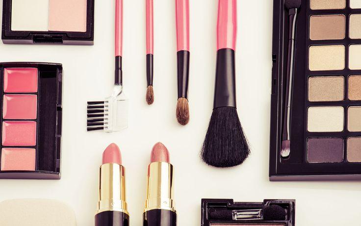 Sono solo 5 i prodotti indispensabili che ogni donna dovrebbe sempre avere nel beauty per un make up sempre perfetto