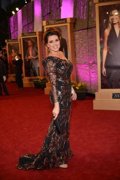 Otra que no eligio el vestido adecuado fue Alicia Machado con este modelo estampado de una manga trasparente.