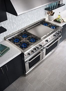 Major Kitchen Appliances Gas Range. Whoa, 6 burners and a healthy grill plate, double oven... Where's mine.?... Like the commercial hood too. #DoubleOven