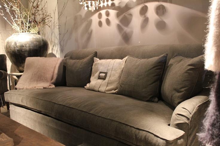 Bank sofa van hoffz interieur verkrijgbaar bij days at for Hoffz interieur