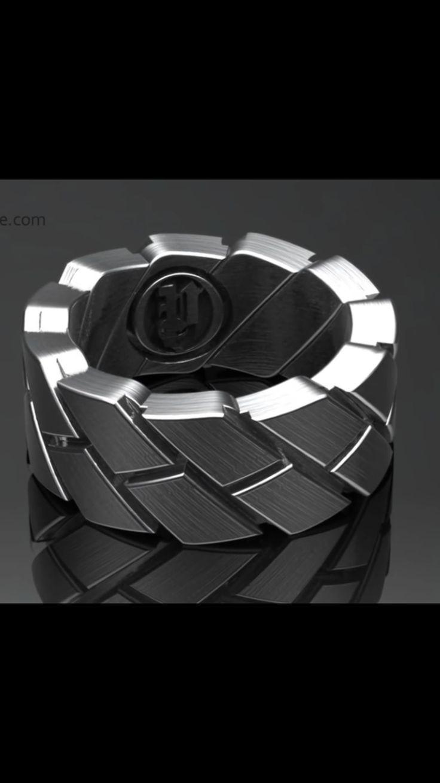 Men's ring                                                                                                                                                                                 Más