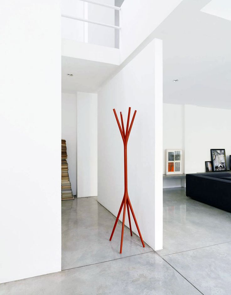 To T'aime coat hanger, Alias, 2010 | Visit our image gallery and be inspired by the creativity of Eugeni Quitllet, designer of the year at Maison&Objet 2016