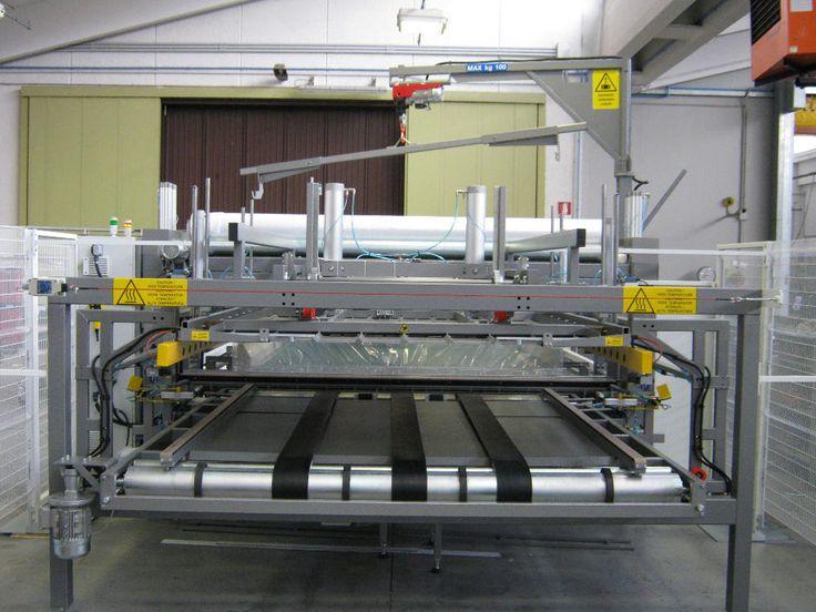 L'imballatrice automatica Resta H288 DIM è una macchina progettata per imbustare materassi indicata per chi ha bisogno di un imballaggio robusto e pregiato.