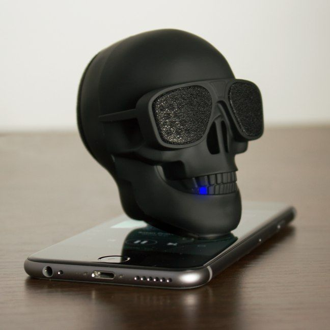This isnt a boring rubberised brick spluttering out pathetic tinny tunes this is the imposing AeroSkull Nano Bluetooth Speaker and it thumps out powerful