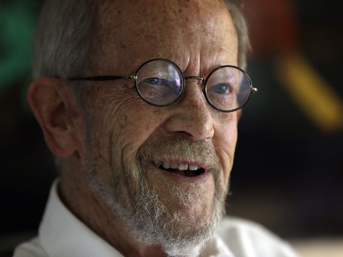 Author Elmore Leonard smiles during an interview at his home in Bloomfield Township, Mich., in September. Leonard died Aug. 20 from complications from a stroke. He was 87. #RIP