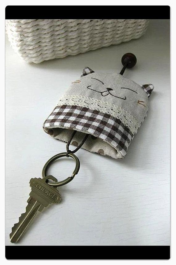 Zakka Cat Key Cover Pouch Only ONE available di madebymuiee
