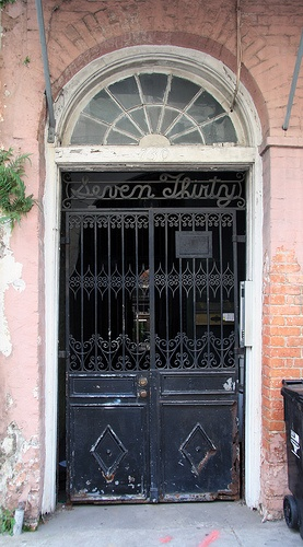 I wish this was my front door in the French quarter. Take me home please.