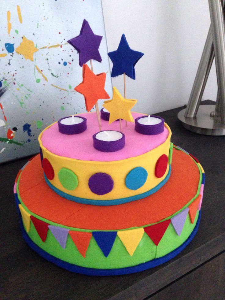 Verjaardagstaart van vilt
