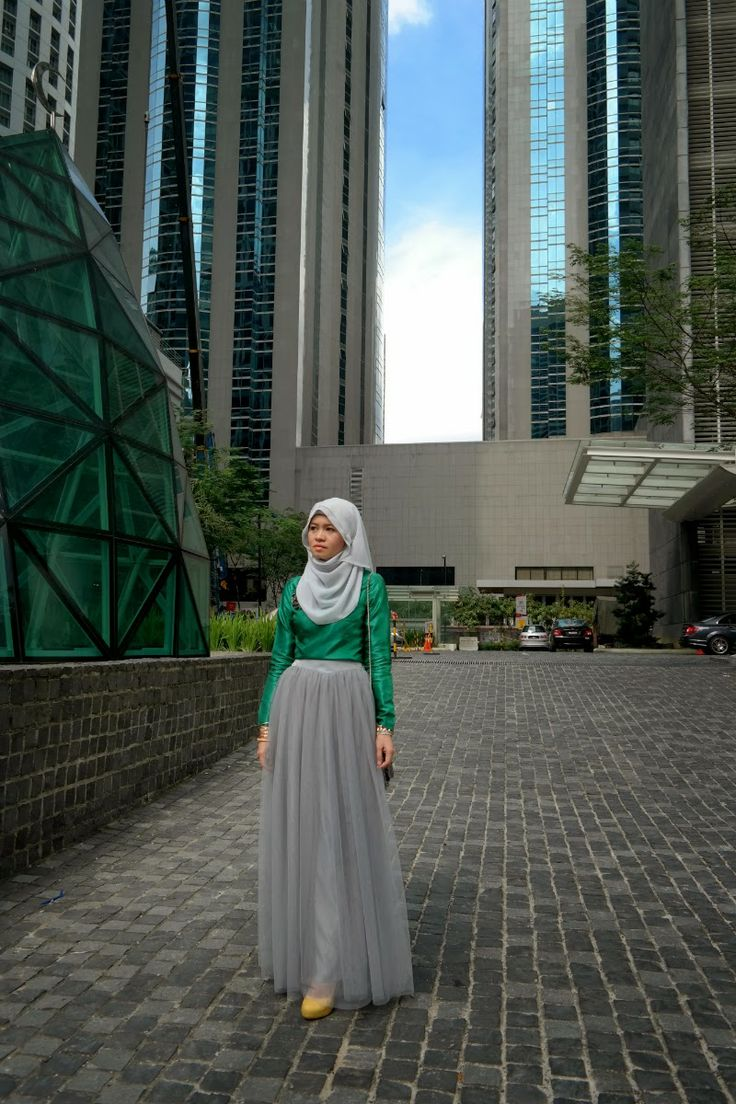Emerald in the City | R Nadia Sabrina