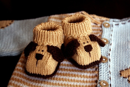 Knit puppy dog baby booties.