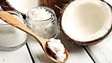 Kokosöl: 8 Gründe, jeden Tag einen Löffel einzunehmen