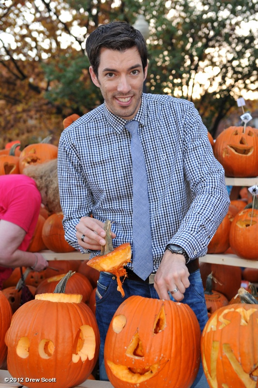 Prepping for #PumpkinWars on HGTV in the US on Oct 31. Who do you think will win between Jonathan & I?