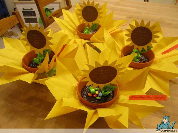 Teilen Tweet Anpinnen Mail Morgen ist das Abschieds-Picknick in der Kindergartengruppe des Quietschbeus. Abschied für zwei Erzieher, die die Einrichtung verlassen und für insgesamt ...