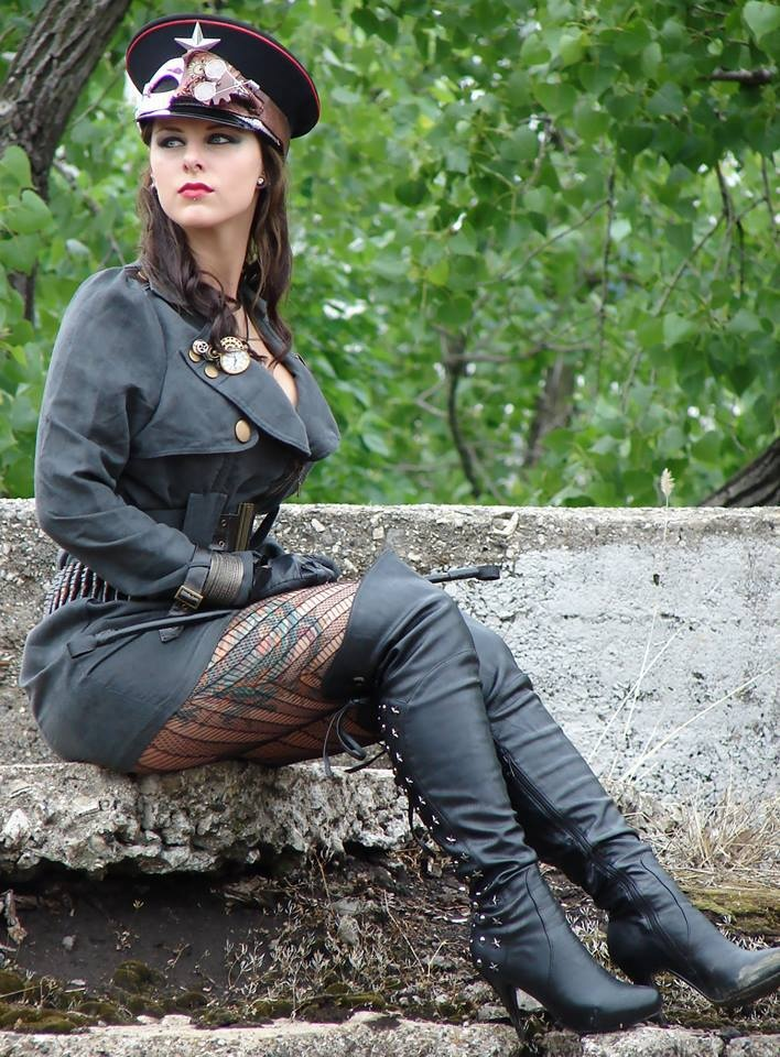 military fashion inspiration - ✯ http://www.pinterest.com/PinFantasy/lifestyles-~-steampunk-fashion-fantasy/