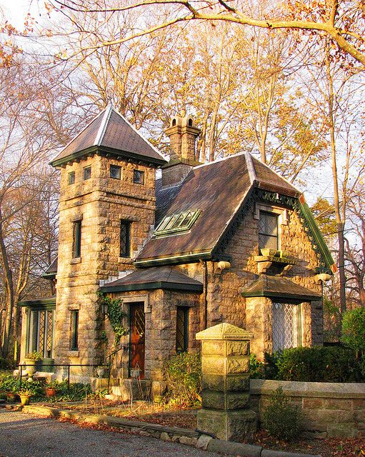 Cottage, Newport, RI - I love the look of this.. It just says cozy in the fall to me!