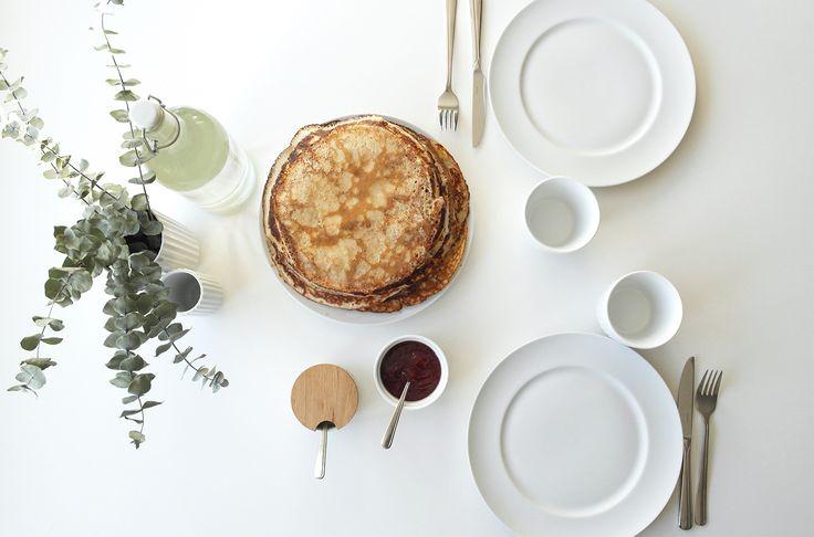 Valentins dag - pandekager - forkælelse - borddækning Valentines day - pancakes - table setting